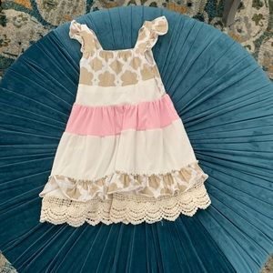 Sweet summertime dress with complimenting capri